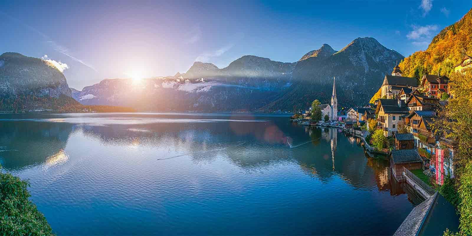 Picturesque Hallstatt village in Salzkammergut