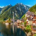 Picturesque Hallstatt village in Salzkammergut